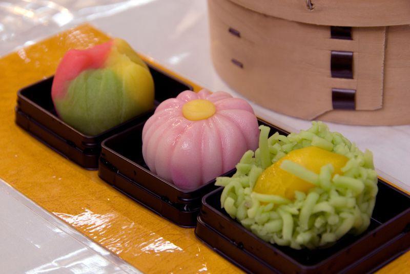 女子旅にも!和菓子体験が楽しい 金沢「石川県観光物産館」