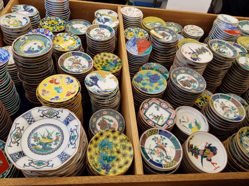 女子にも嬉しい可愛い器も!GWは石川「九谷茶碗まつり」