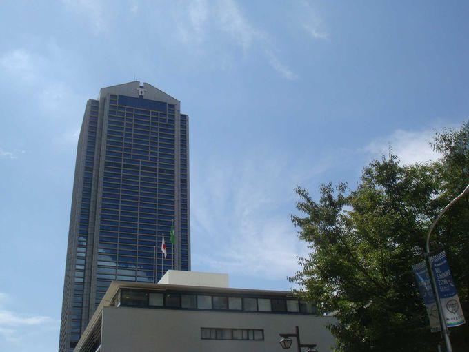神戸市役所は、三宮駅から南へ