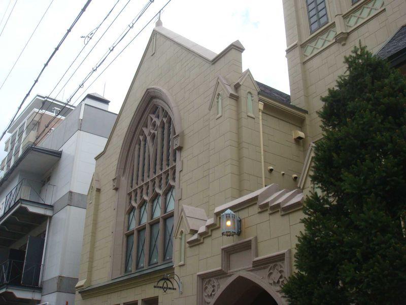 神戸カフェめぐり〜教会を生かしてつくられたカフェ、フロインドリーブ
