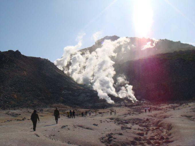 硫黄山で地球の息吹を感じる