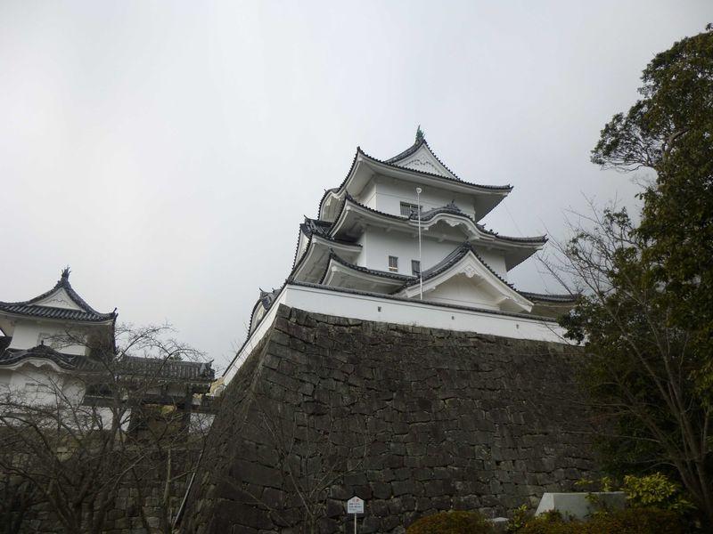 忍者、松尾芭蕉、上野城。伊賀必見スポットの集まる上野公園を歩く