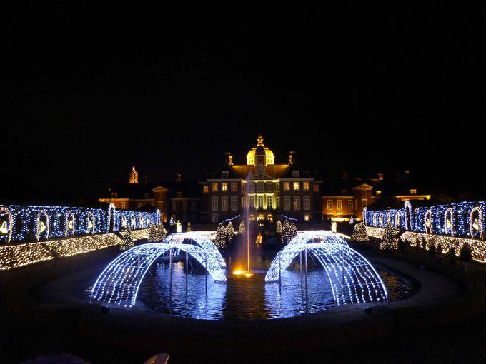 壮麗なショーが必見「光の宮殿」