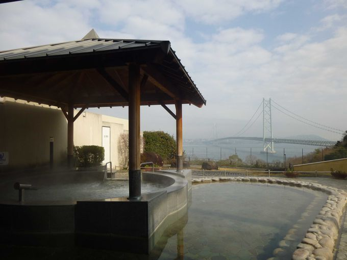 淡路島から明石海峡大橋を一望!開放感ある絶景温泉「岩屋温泉」