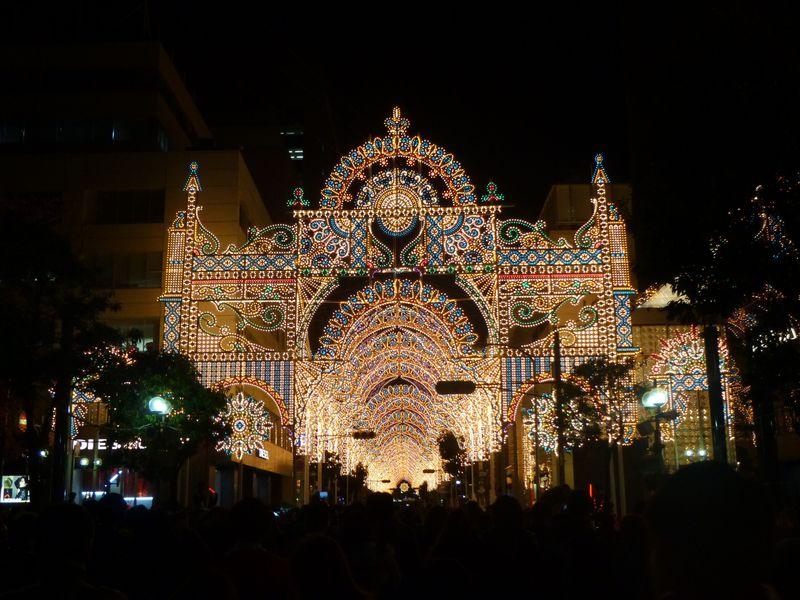 希望の灯〜神戸ルミナリエの持つ意味