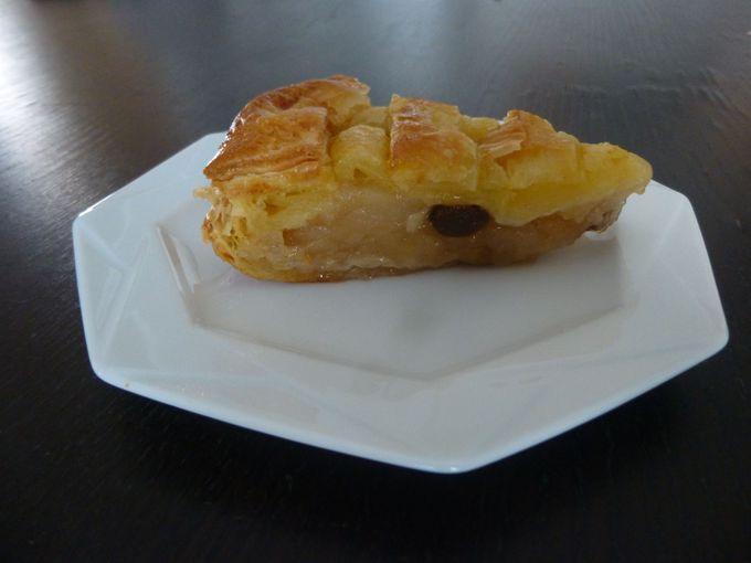 絶対食べたい!自家製アップルパイと、生絞りりんごジュース。