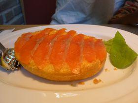 朝でも行きたい!軽井沢の朝食専門カフェ「シェリダン」のスモークサーモンオムレツ