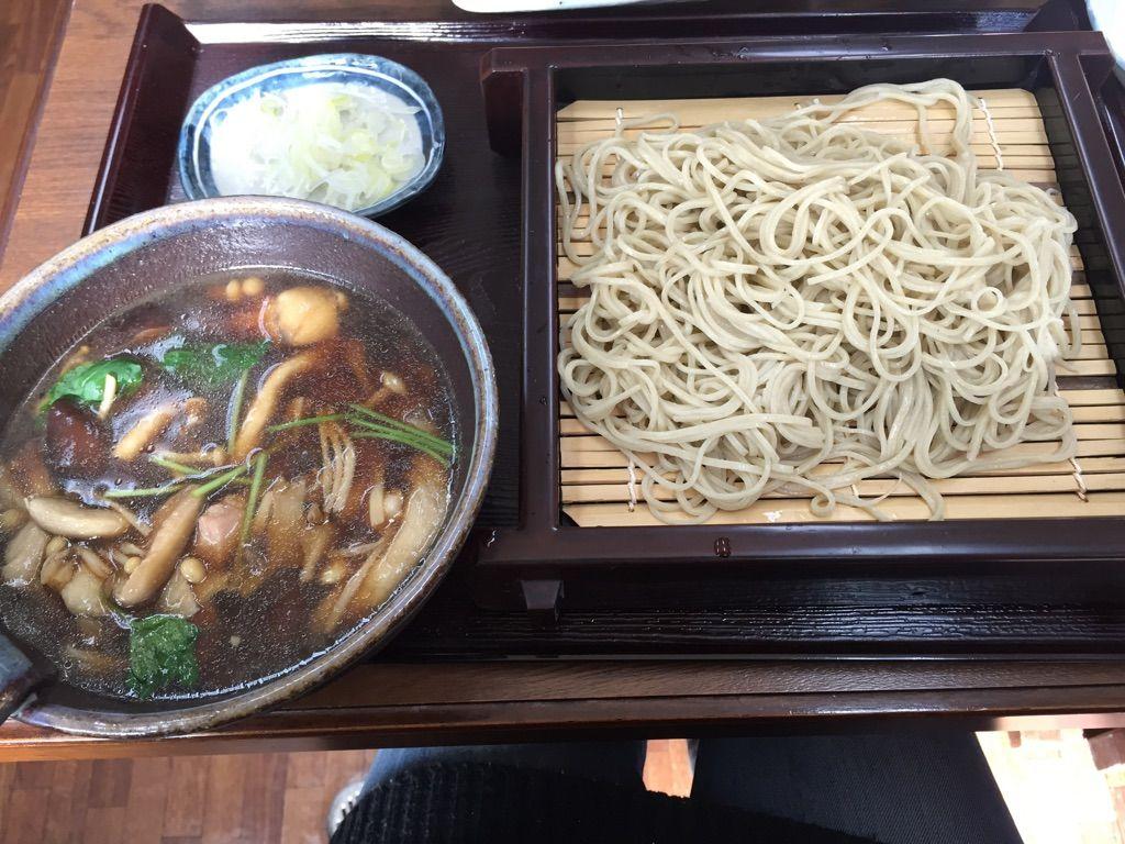 手打ちそばと地元の野菜がおいしい!「大村支店」で名物グルメを。