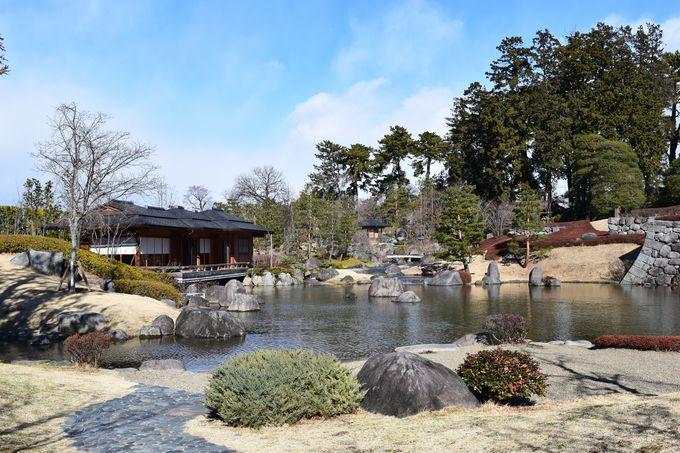 日本庭園では四季折々の景色を