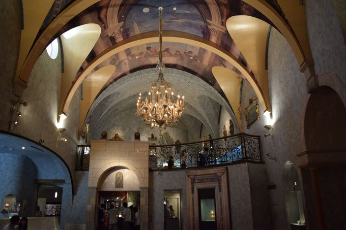 ヴェネチアン・グラス美術館、現代ガラス美術館を歩こう