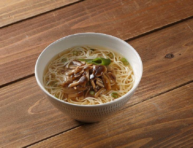 甘くないお土産なら「養々麺」「角煮まん」がおすすめ