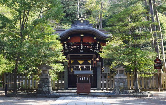 鶴岡八幡宮の境内の見どころ・末社を巡る