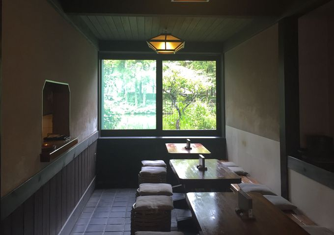 静けさが心地よい。店内で過ごす鎌倉時間