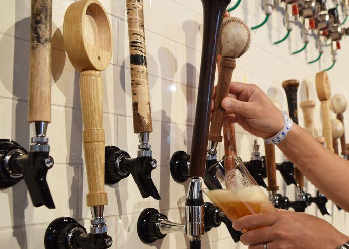 クラフトビアバーではベイスターズオリジナル醸造ビール