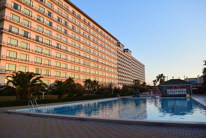 ファミリー向けの大型ホテル「龍宮城スパ・ホテル三日月」