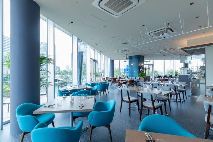 ラクシス フロント2Fにはレストランやカフェ