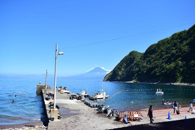 海の向こうに富士山!素朴ながら透明度は随一