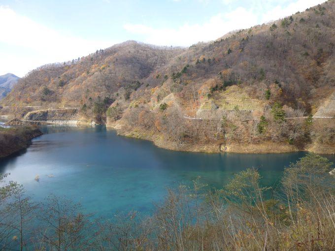甌穴群に奥四万湖…自然に抱かれた、清流沿いの温泉