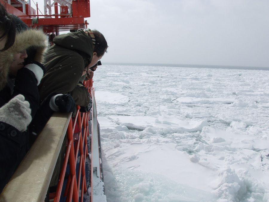 流氷クルーズと言えばこれを思い出す方も多いのでは!?「紋別・流氷砕氷船ガリンコ号II」