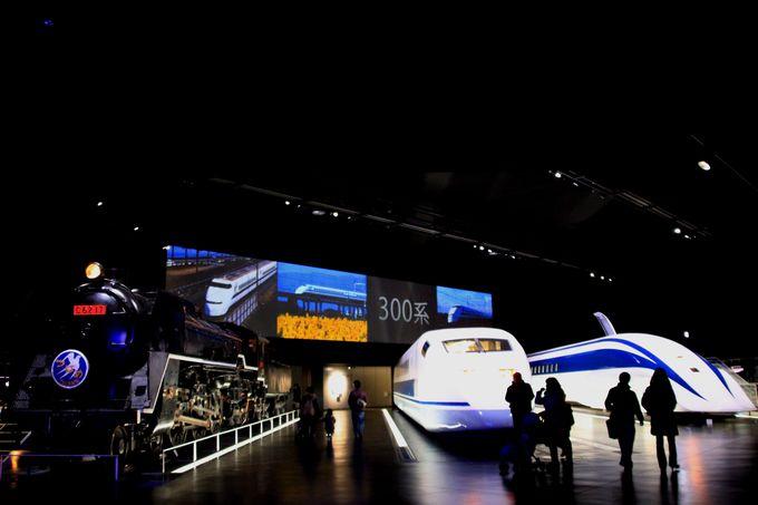 世界最高速度を記録した車両がお出迎え!