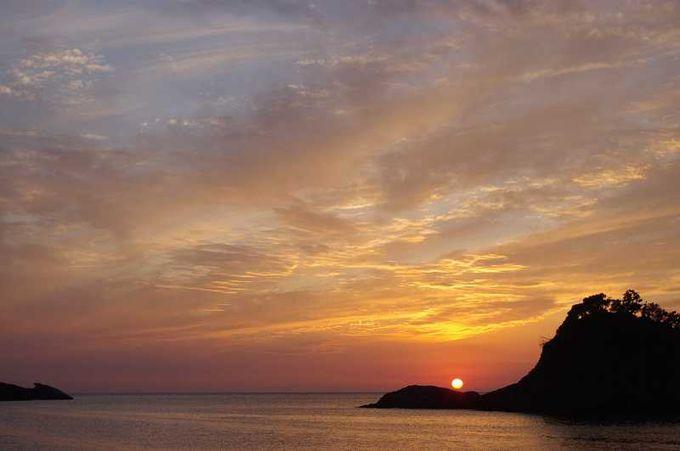 夕陽日本一を掲げる静岡県・西伊豆町。