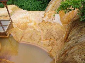 北海道長万部(おしゃまんべ)で夏の絶景フィッシングと天然記念物「二股らぢうむ温泉」のパワフル温泉