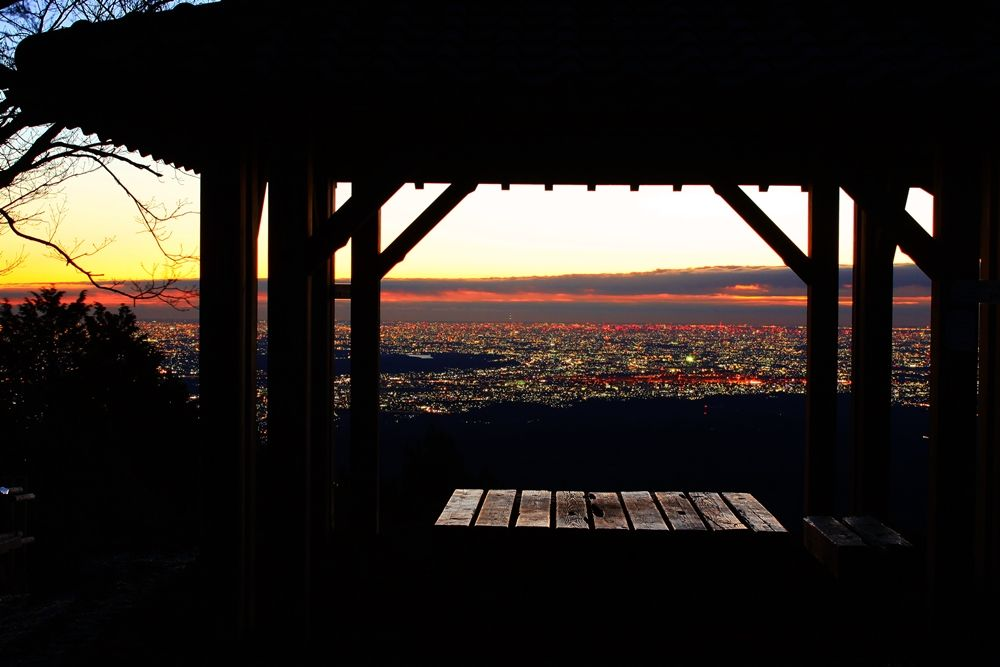 日の出山の景色は良いが誰もいない!だが人の気配を探してみる