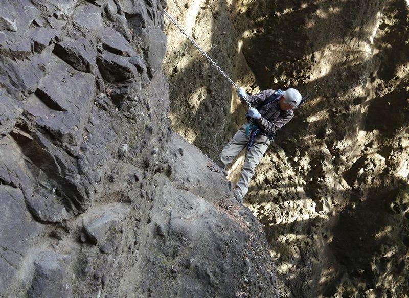 日本絶崖!群馬県・妙義山の奇景石門群で工ンジョイクライム