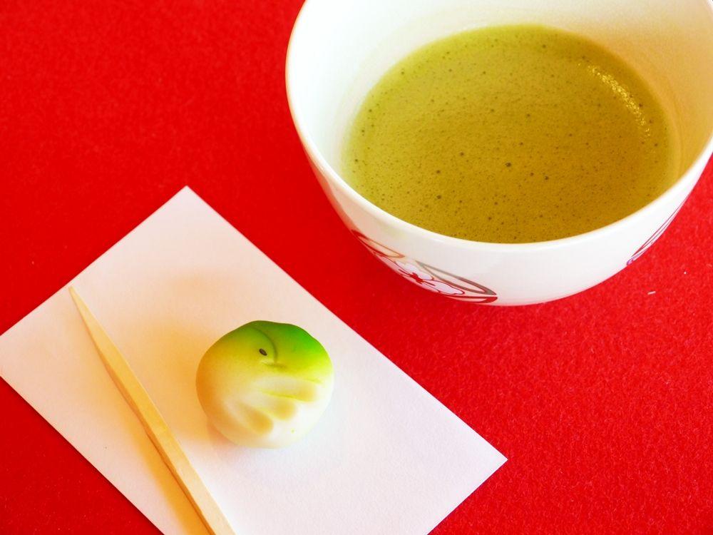 中島の御茶屋で生菓子と抹茶を頂きながらくつろいでみる!