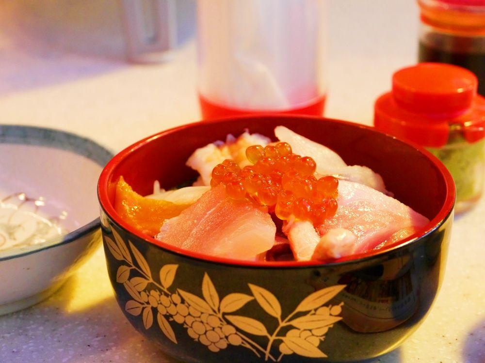 金沢の台所で美しい海の幸をいただこう〜金沢近江市場