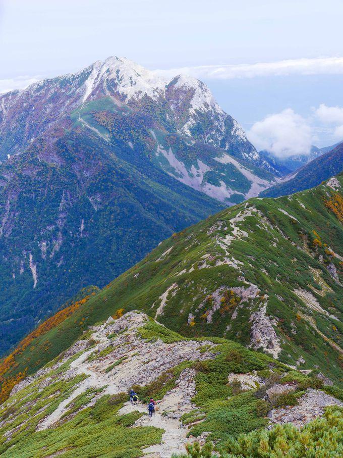 仙丈ヶ岳から見える甲斐駒ヶ岳や地蔵岳のオベリクス