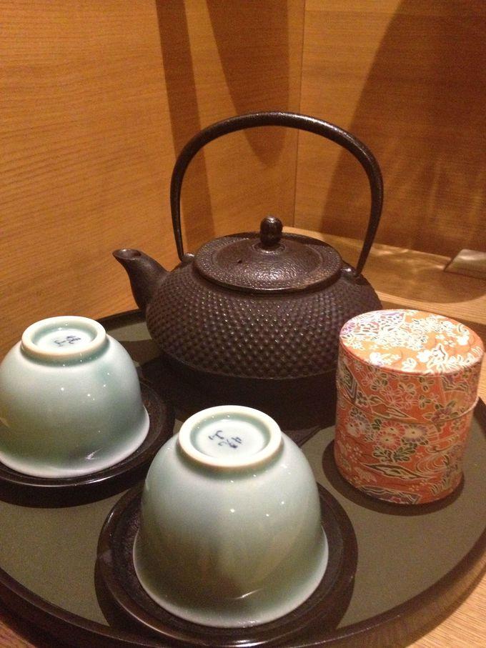 南部鉄器でお茶を淹れる…