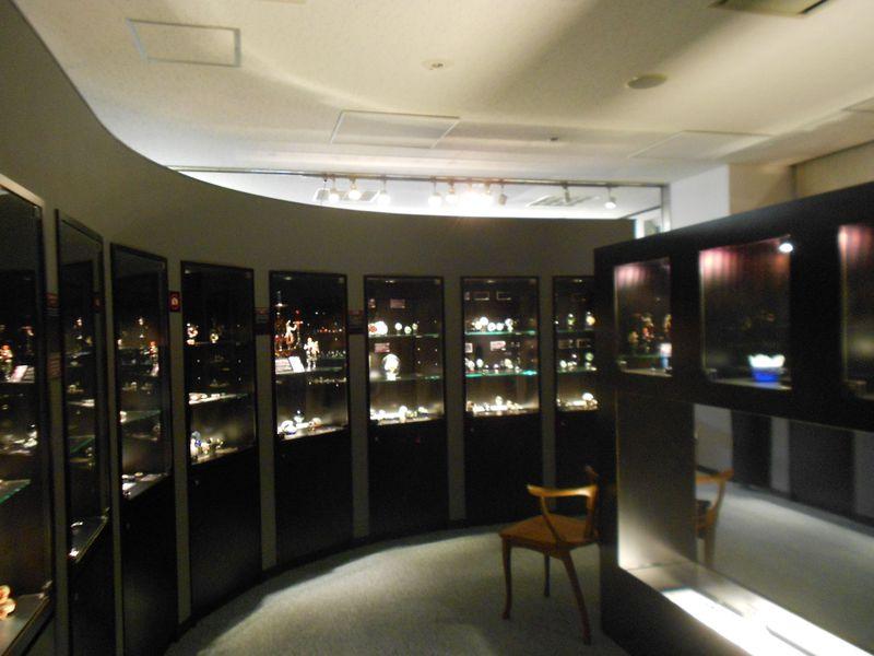KOBEとんぼ玉ミュージアムは、ガラスを観る・学ぶ・作る・買える!楽しさに溢れたミュージアム