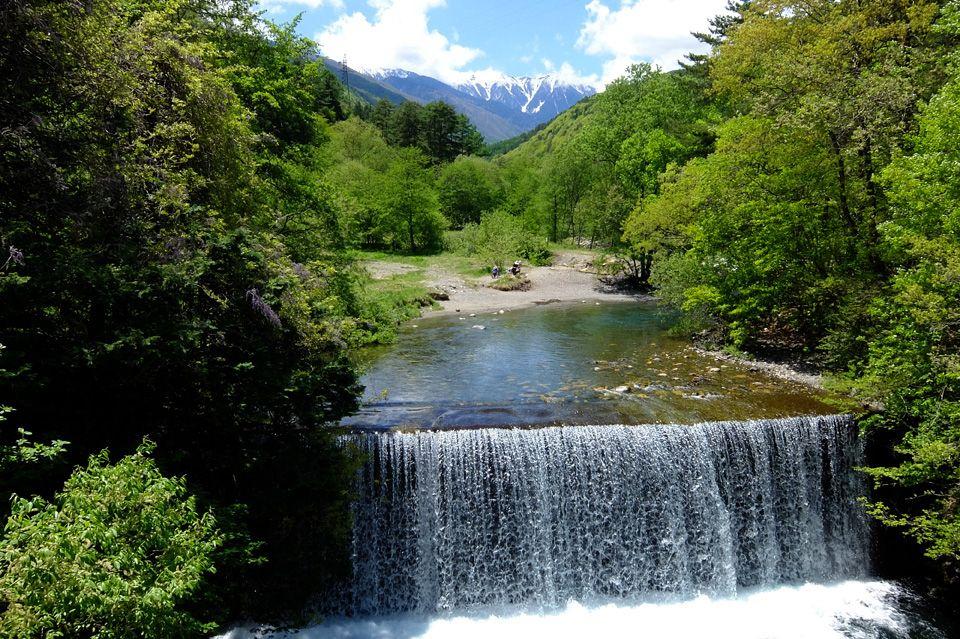森林浴にも最適な安曇野の穴場クールスポット、烏川渓谷緑地で過ごすワイルドな時間