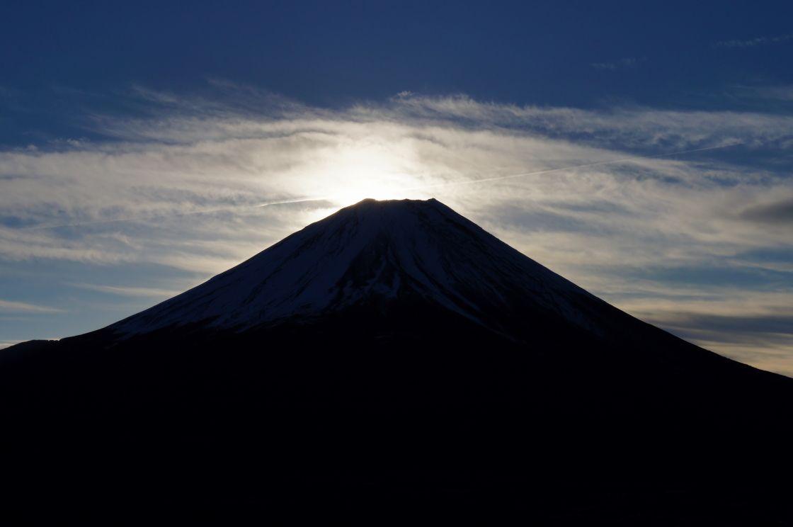 次第に明るさを増す富士山が美しい!