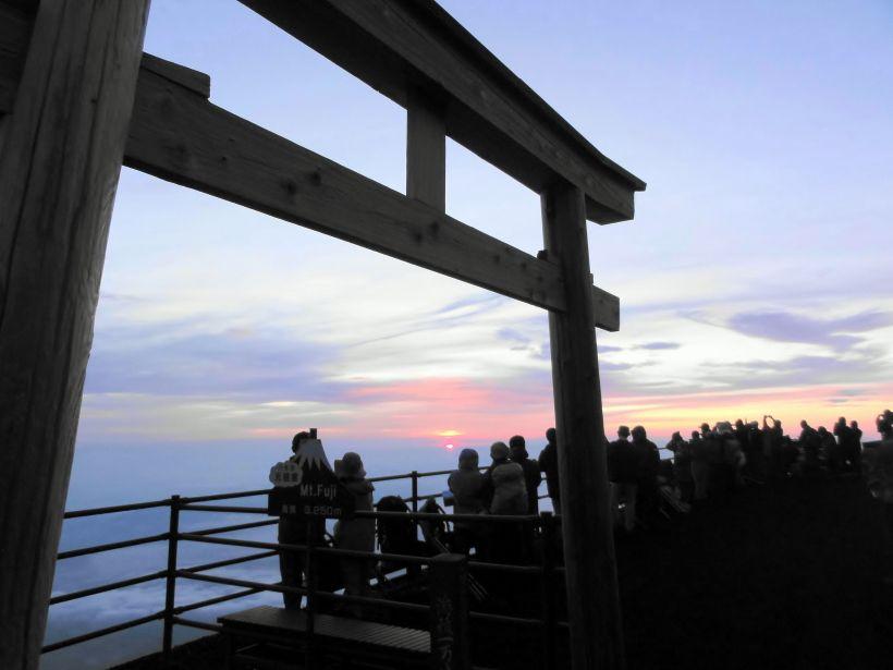 初心者の富士登山にお勧めな「吉田ルート」(山梨県側)
