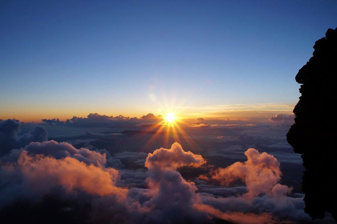 富士登山といえば感動的な「ご来光」!
