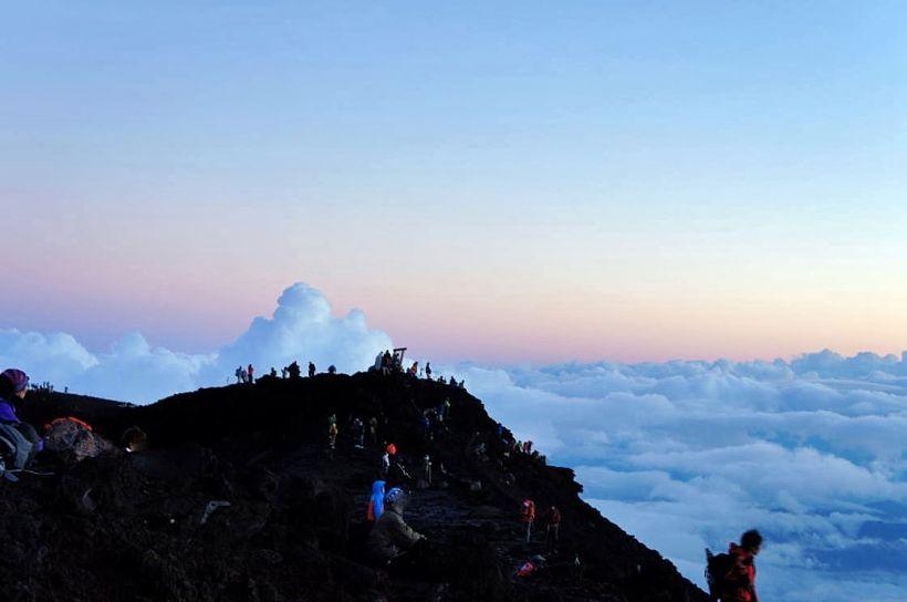 雲が織り成す風景と雲上の世界が素晴らしい!