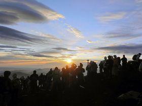 夏休みにおすすめの国内旅行先10選 人気の絶景スポットも!