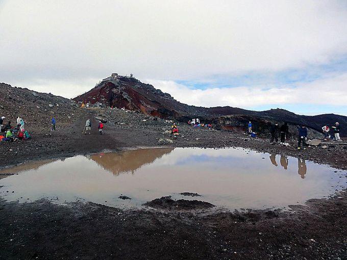 富士山頂には幻の池が存在する!?