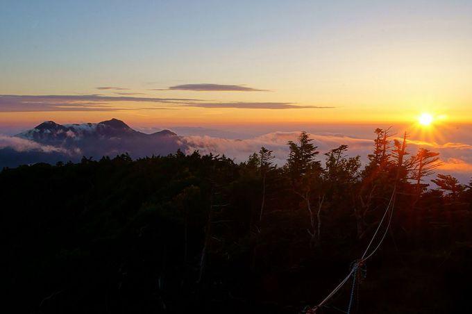 山頂からは絶景が広がる!日光を象徴する霊峰「男体山」