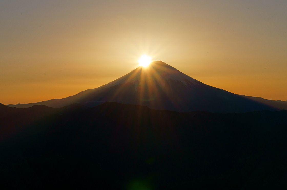 春分・秋分の日の奇跡!山梨百名山・七面山のダイヤモンド富士!