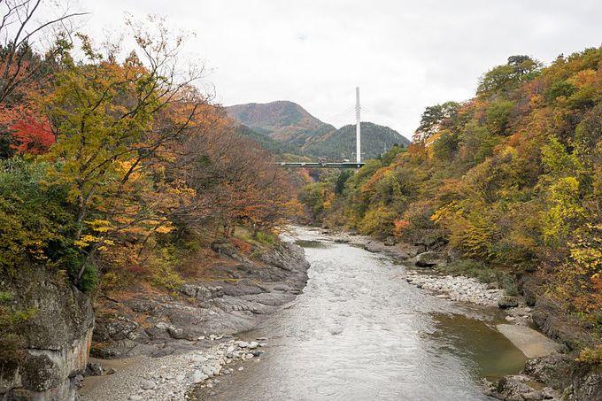群馬・水上を代表する景勝地・諏訪峡