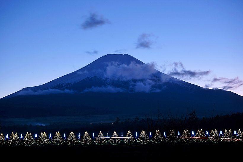 イルミネーションと富士山が絶妙!山中湖アートイルミネーション