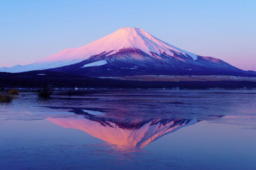 大きな富士山が見える「山中湖」