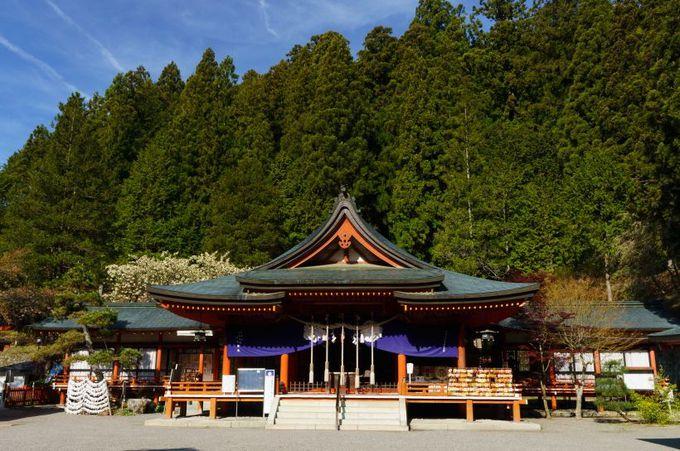 日本水晶発祥の地!霊峰・金峰山をご神体とする山梨・金櫻神社