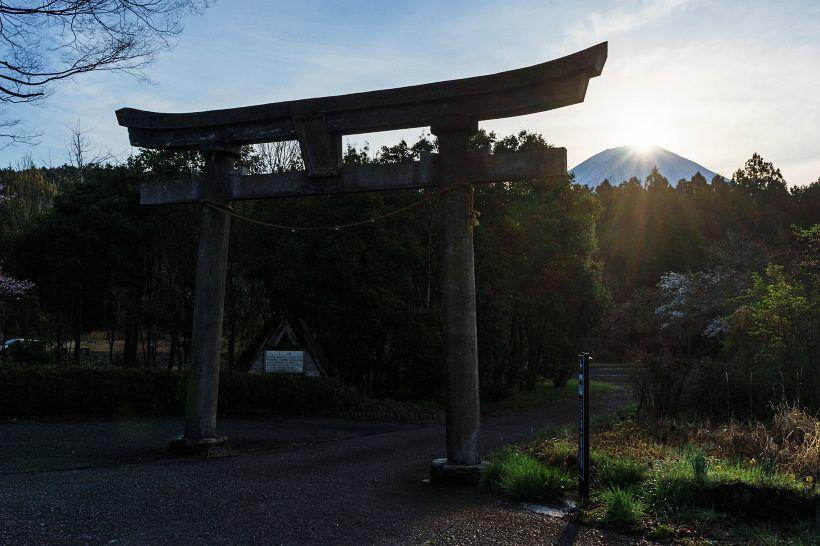 聖地?心霊スポット?数々の伝説を生む静岡・人穴浅間神社(世界遺産)