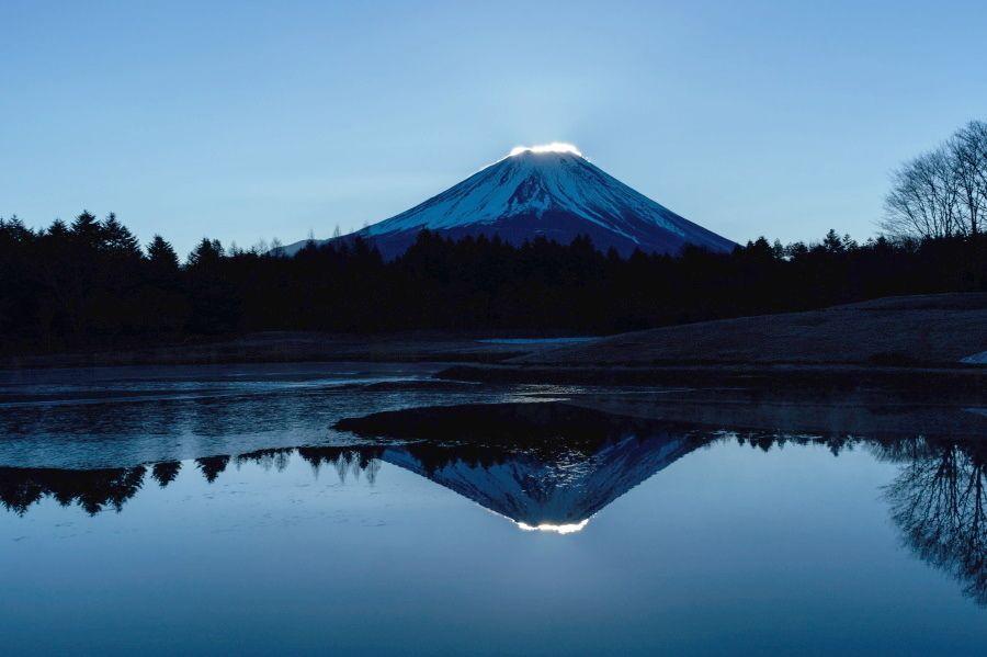 絶景1:竜神池に映る「逆さ富士」