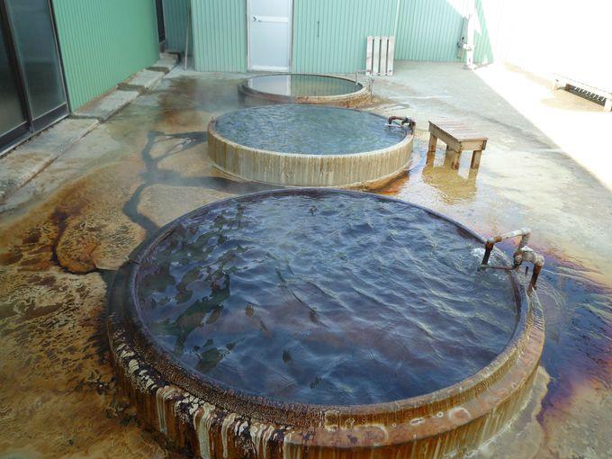 源泉かけ流しのドカン風呂「西ききょう温泉」でお肌ツルツル