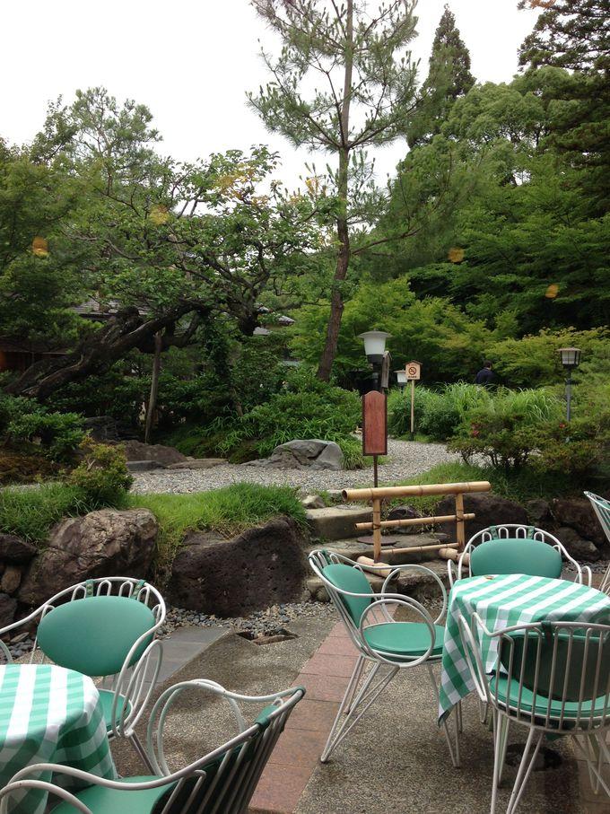 日本庭園を見ながら、朝ごはん